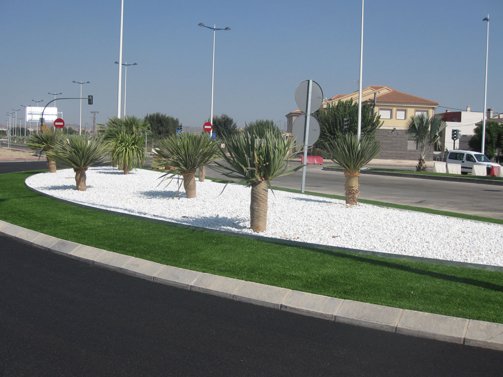 jardines-publicos-avenida-miguel-indurain-1